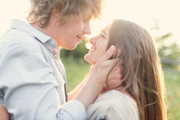 ほっぺを触る男性心理15選|頰をつまむ ...