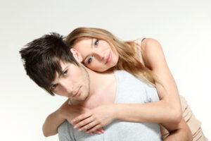 女から抱きつくのはアリ?女性からハグされたら男性が思う事10個!